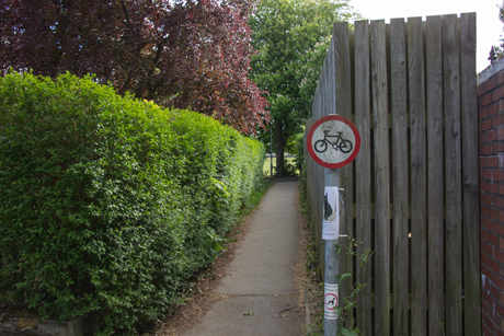 No Cycling, alleyway linking Norfolk Road and Leadhall Drive